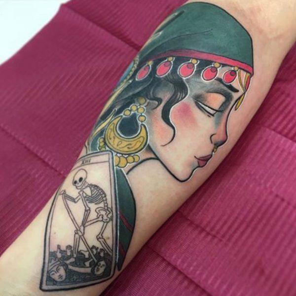 tatuaje gitana