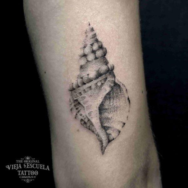 tatuaje valencia caracola
